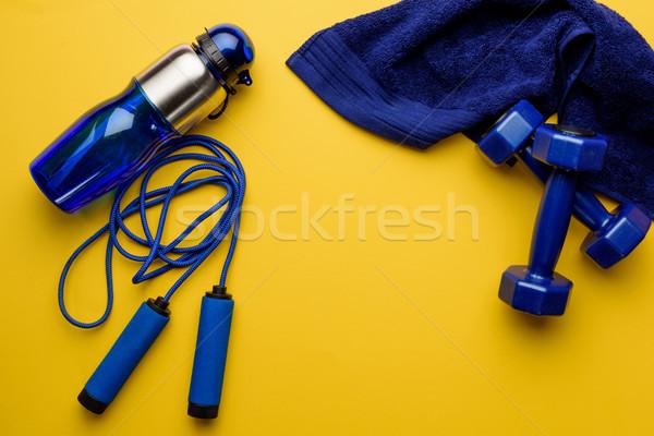 Spor malzemeleri havlu yalıtılmış sarı uygunluk Stok fotoğraf © LightFieldStudios