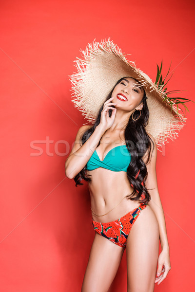 Femme souriante maillot de bain plage chapeau souriant asian Photo stock © LightFieldStudios