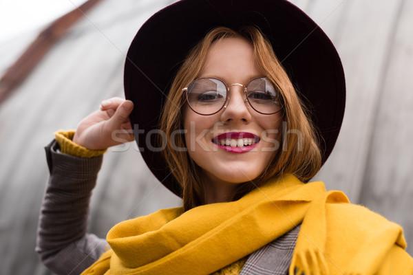 Dziewczyna okulary fedora hat piękna elegancki Zdjęcia stock © LightFieldStudios