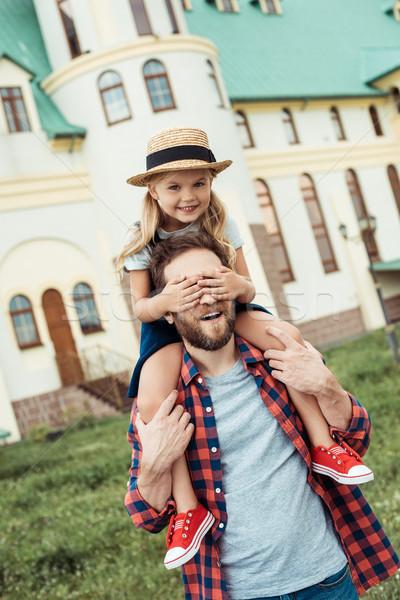 Vader dochter samen meisje ogen gelukkig Stockfoto © LightFieldStudios