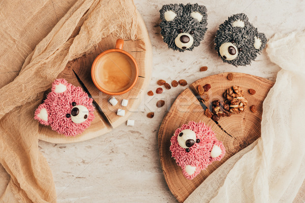Haut vue délicieux muffins forme Photo stock © LightFieldStudios