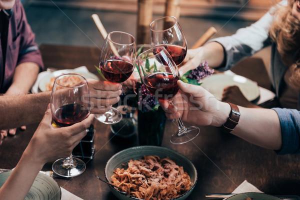 Vrienden drinken wijn diner shot bril Stockfoto © LightFieldStudios