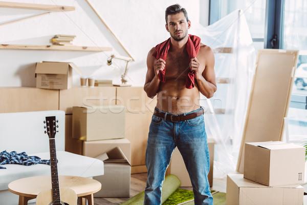 シャツを着ていない 男 移動 ハンサム Tシャツ ストックフォト © LightFieldStudios