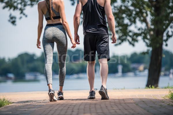 Stock fotó: Pár · sportruha · hátulnézet · áll · park · fitnessz