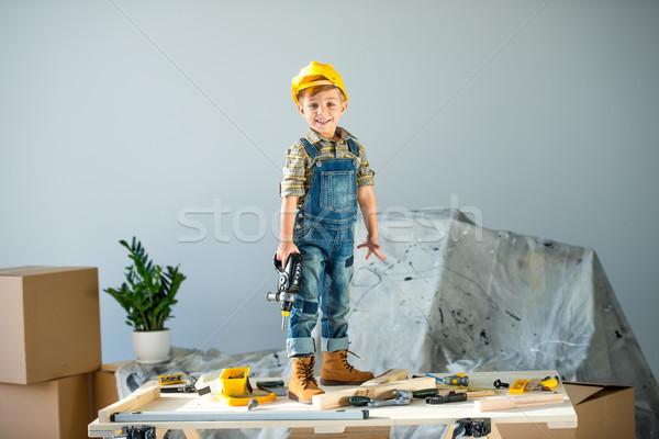 Stockfoto: Weinig · jongen · tools · glimlachend · helm · permanente