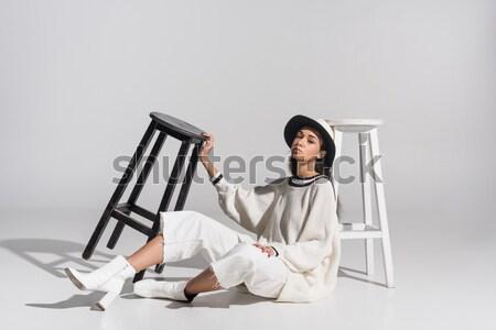 Photo stock: élégant · fille · hiver · belle · posant