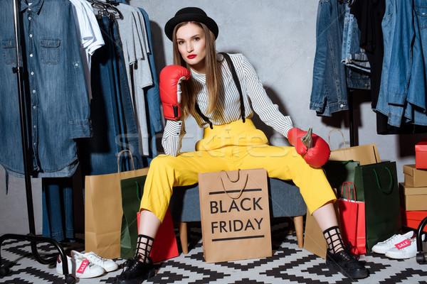 Black friday elegante menina luvas de boxe roupa Foto stock © LightFieldStudios