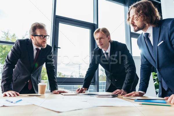 ストックフォト: ビジネスマン · 作業 · オフィス · 深刻 · 作業