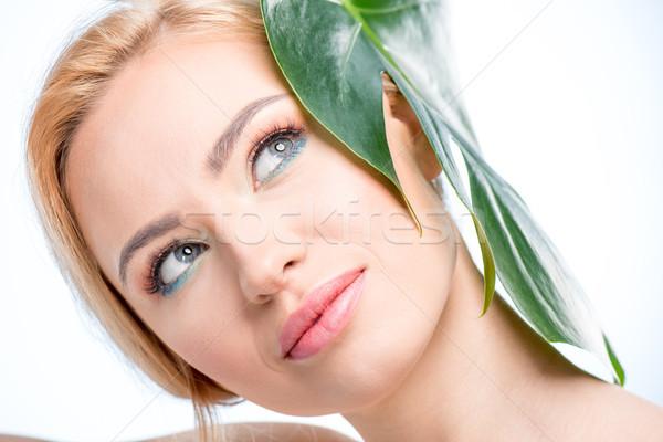 Atractivo hoja verde cabeza sonriendo Foto stock © LightFieldStudios
