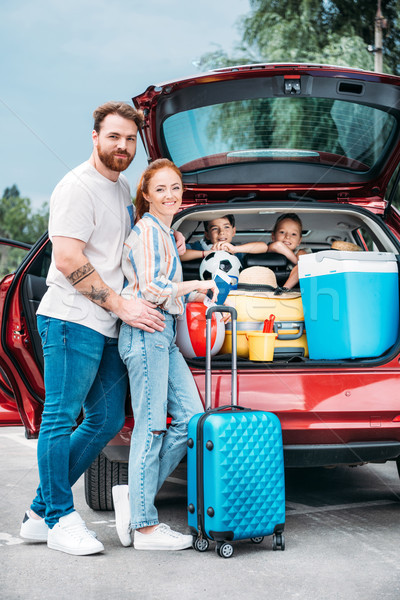 ストックフォト: 旅行 · 家族 · 幸せ · 小さな · 荷物