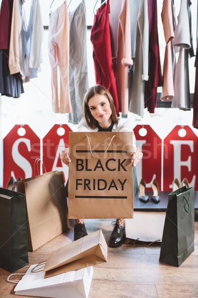Mulher black friday bela mulher boutique compras Foto stock © LightFieldStudios