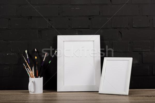 Сток-фото: фото · кадры · рисунок · оборудование · таблице