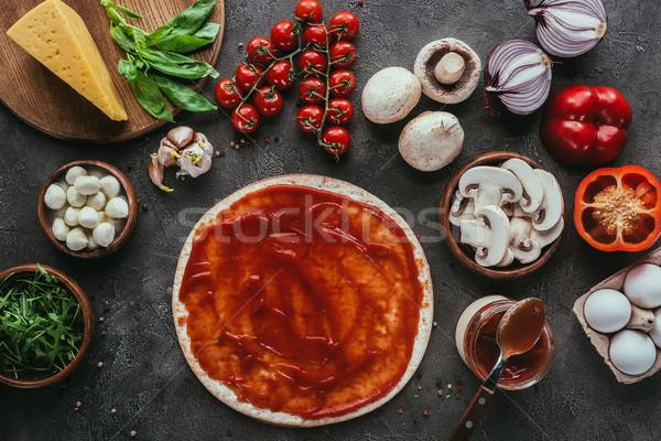 Górę widoku pizza sos warzyw konkretnych Zdjęcia stock © LightFieldStudios