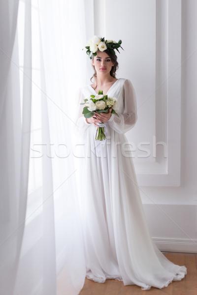 Foto stock: Atraente · noiva · tradicional · vestir · floral · coroa