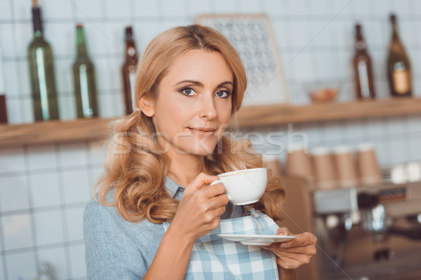 Kaffeehaus Eigentümer trinken Kaffee schönen Stock foto © LightFieldStudios