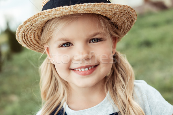 Enfant portrait peu fille Photo stock © LightFieldStudios
