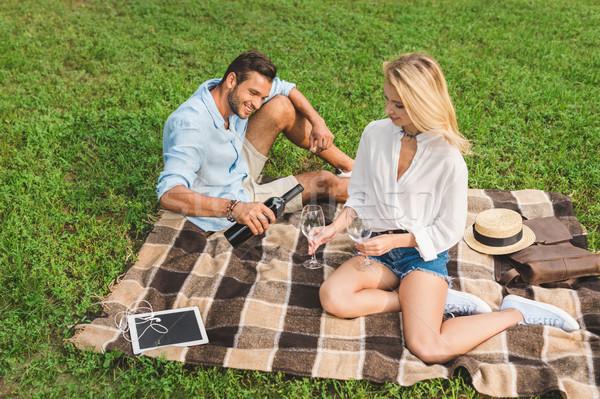 пару питьевой вино романтические дата Сток-фото © LightFieldStudios