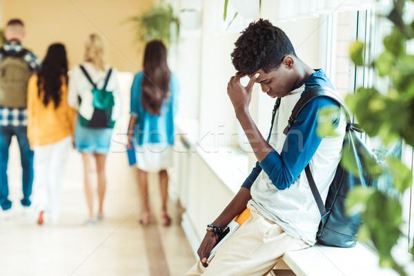 Stockfoto: Moe · student · vergadering · vensterbank · afro-amerikaanse · school
