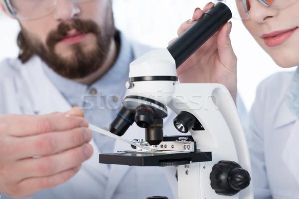 Stockfoto: Werken · microscoop · jonge · wetenschap