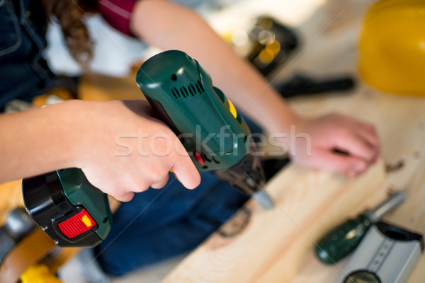 Menina perfuração ver little girl Foto stock © LightFieldStudios