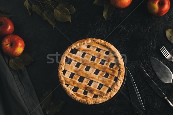Tarte aux pommes argenterie maison fraîches pommes isolé Photo stock © LightFieldStudios