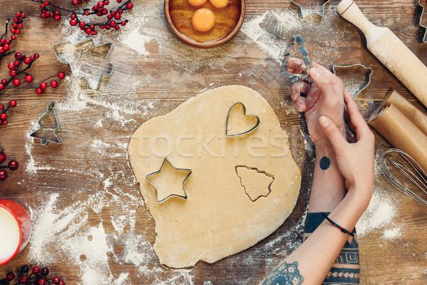 Casal cozinhar pão de especiarias bolinhos tiro juntos Foto stock © LightFieldStudios