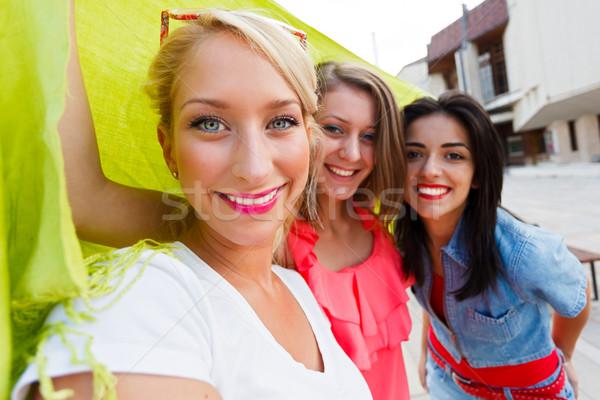 Schönen Frauen genießen Zeit zusammen Freundinnen Stock foto © Lighthunter