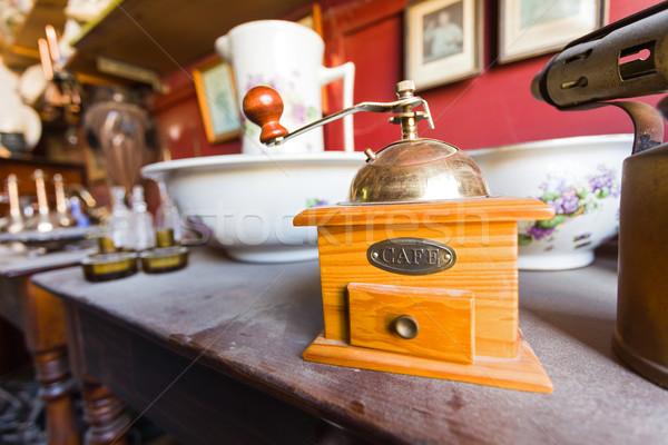 木製 グラインダー 古い ほこりっぽい 木製のテーブル アンティーク ストックフォト © Lighthunter