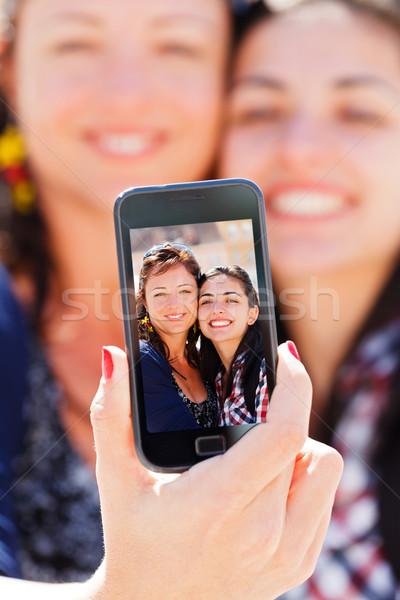 Stockfoto: Zelfportret · mooie · vriendinnen · shot · telefoon