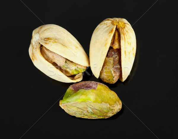 Noir trois séché isolé fruits Photo stock © Lighthunter