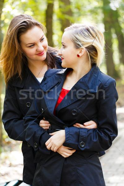 Gêmeo irmãs belo outro Foto stock © Lighthunter