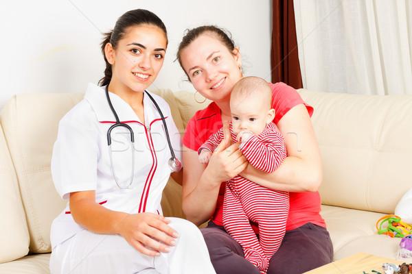 Kinderopvang home vergadering moeder vrouw arts Stockfoto © Lighthunter