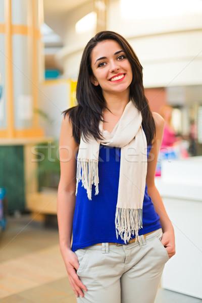 Belo mulher shopping bastante jovem senhora Foto stock © Lighthunter