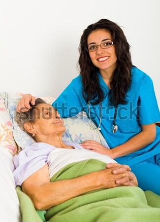 Médico presión arterial altos mujeres médicos Foto stock © Lighthunter