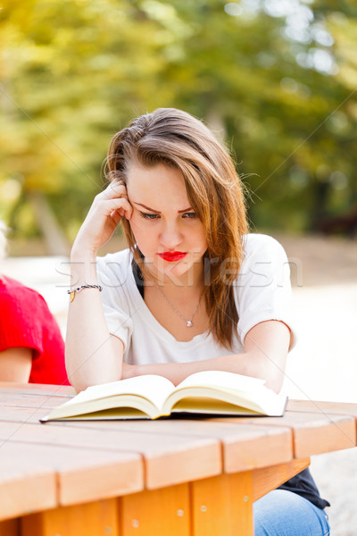 Stressante étudier confondre fatigué fille apprentissage Photo stock © Lighthunter