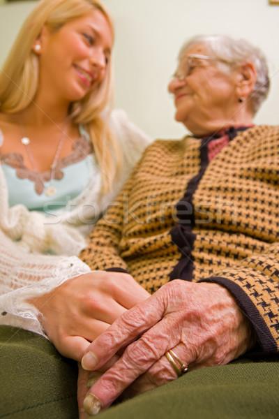 Yardım muhtaç Yaşlı kadın el Stok fotoğraf © Lighthunter