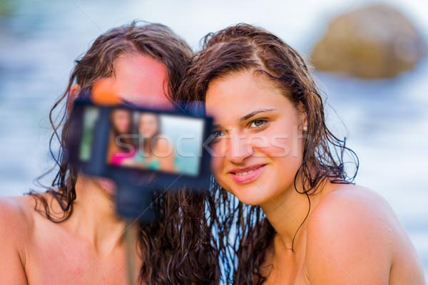 Mejores amigos siempre las mujeres jóvenes momentos vacaciones Foto stock © Lighthunter