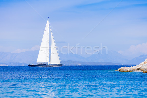 Luxe hybride yacht natation rive Photo stock © Lighthunter