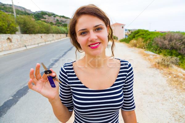 Autosleutels hand mooie gelukkig vrouw stad Stockfoto © Lighthunter