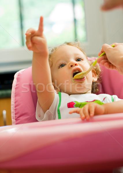 Stock fotó: Kislány · eszik · aranyos · kicsi · baba · anya