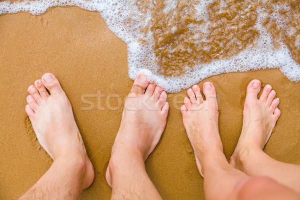 Vakantie paar blootsvoets zanderig middellandse zee zee Stockfoto © Lighthunter