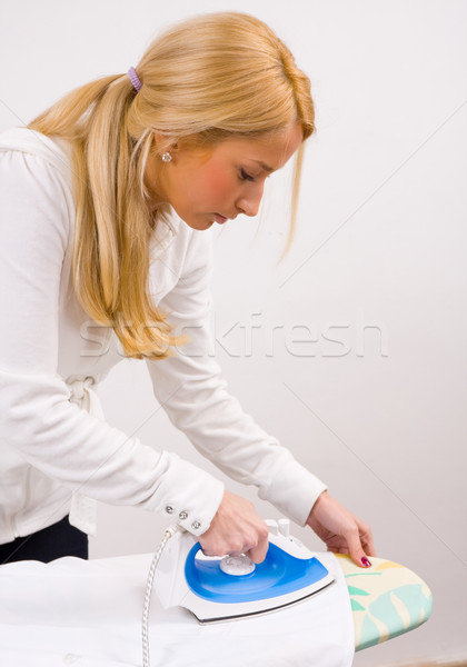 Lavori di casa bordo donna casa Foto d'archivio © Lighthunter