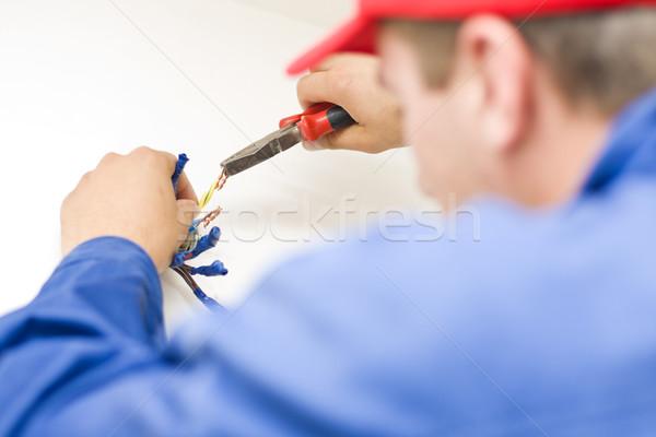 Manitas de trabajo cables electricista cobre junto Foto stock © Lighthunter