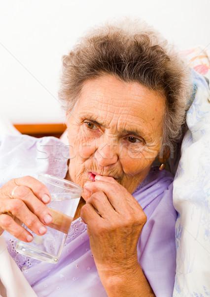 Anziani pillole signora medico Foto d'archivio © Lighthunter