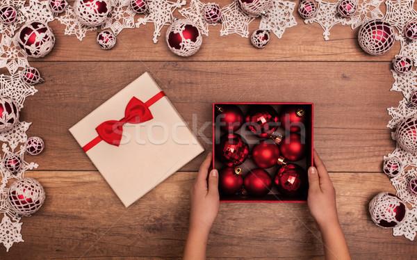 Foto stock: Nino · apertura · Navidad · presente · rojo · dentro