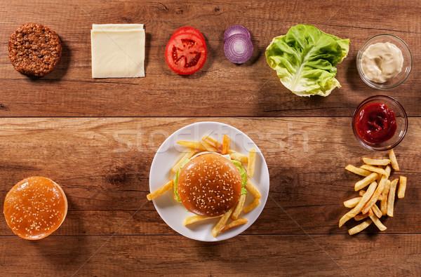 Stockfoto: Hamburger · ingrediënten · houten · tafel · hamburger · centrum · plaat