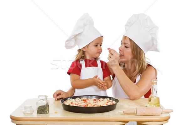 Morder presunto mulher little girl pizza degustação Foto stock © lightkeeper