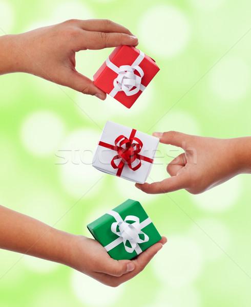 ストックフォト: セット · 小 · プレゼント · 子 · 手 · クリスマス