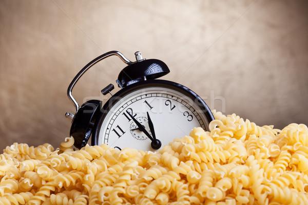 ストックフォト: 時間 · パスタ · 目覚まし時計 · カバー · クロック · 金