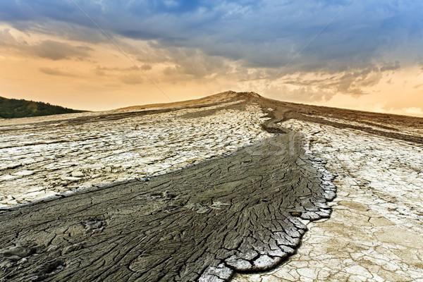 Modder vulkaan berg helling gebarsten Stockfoto © lightkeeper